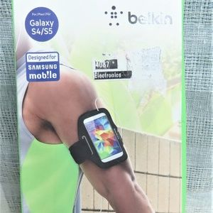 Black Belkin Phone Sport Fit Arm Band